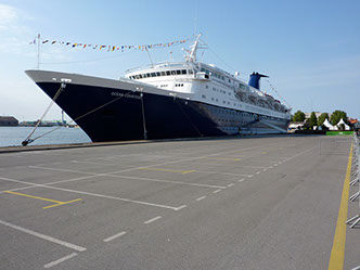 Whole ship charter of cruise ship OCEAN COUNTESS in Dunkirk